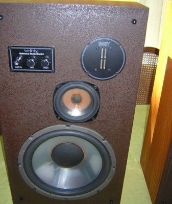 reference-studio-monitor-dvc-mid